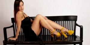 Thylia speed dating & escort girl