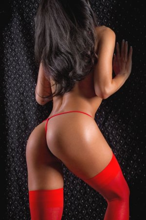 Maiween escorts in Paris