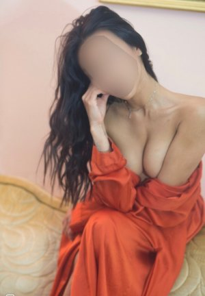 Hapsatou outcall escorts