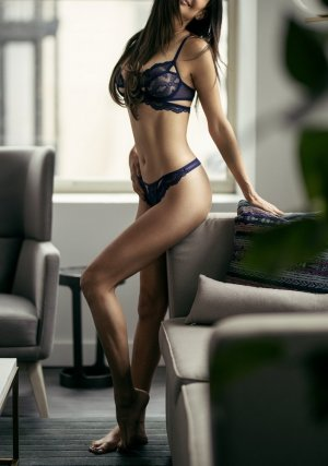 Caline outcall escorts