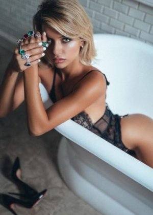 Encarnita escorts services