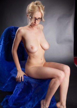 Mikaele outcall escorts in White Oak